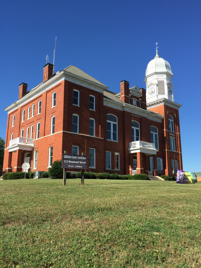 Taliaferro County Courthouse  Crawfordsville  GA